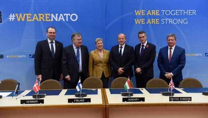 В 2017 году Финляндия присоединилась к многонациональной программе сотрудничества в области высокоточных боеприпасов класса «воздух-земля», разработанной группой государств-членов НАТО.
