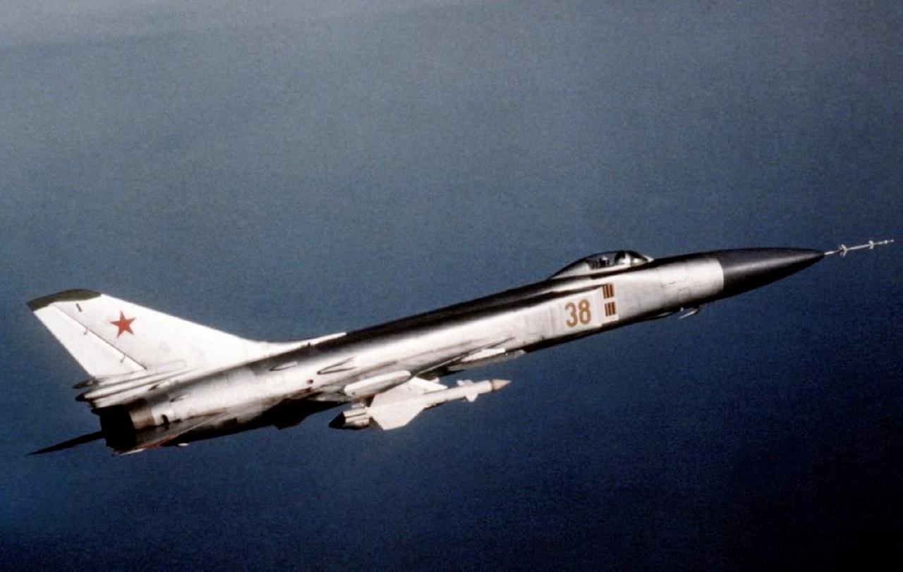 Перехватчик Су-15.