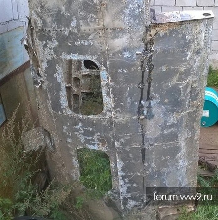 Обломок немецкого «хейнкеля», найденного у берегов Ладоги.