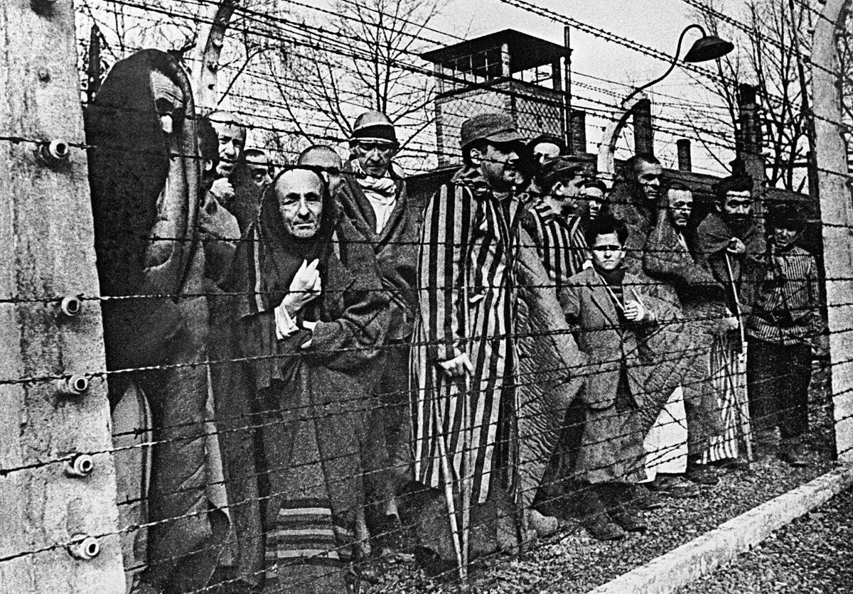 Генеральный план «Ост» - план колонизации и германизации восточных территорий, разрабатывался на основе расовой доктрины и концепции «жизненного пространства» под эгидой рейхсфюрера СС Генриха Гиммлера.
