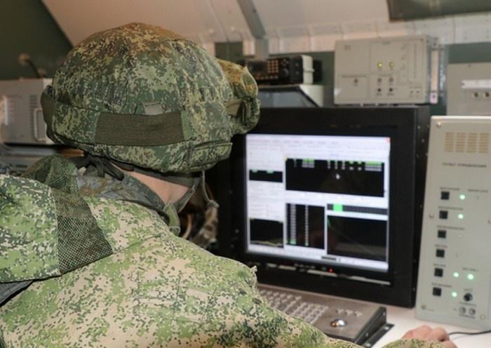 Специалисты РЭБ ЮВО в ходе учения впервые применили новейший комплекс «Поле-21» в системе разведывательно-ударного контура.