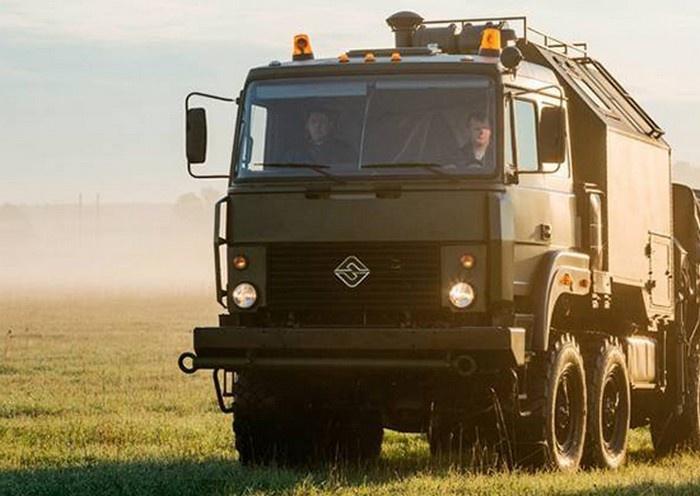Военнослужащие авторемонтного подразделения ЮВО в Абхазии на учении применили новейшие машины РЭМ-КЛ для эвакуации техники в бою.