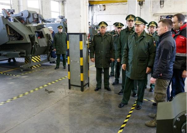 Министр обороны России проверил выполнение гособоронзаказа по разработке и выпуску робототехнических комплексов на ОАО «766 УПТК».