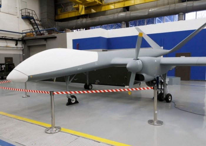 Разработанный в рамках опытно-конструкторской работы «Иноходец» специалистами компании «Кронштадт» опытную эксплуатацию в войсках дрон прошёл в Сирии.