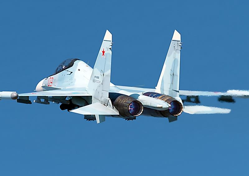 Учебно-тренировочные полёты дежурной смены на истребителях Су-30СМ выполнялись вдоль черноморского побережья.