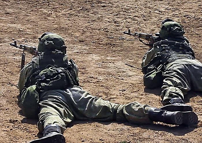 Для выполнения упражнений стрельб из штатного оружия готовится более 2.000 различных мишеней.