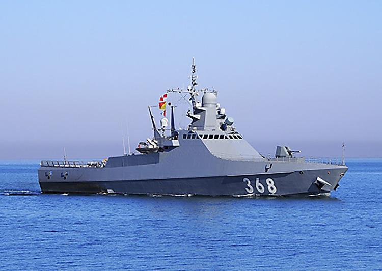 Патрульный корабль «Василий Быков» Черноморского флота провёл комплекс корабельных боевых учений.