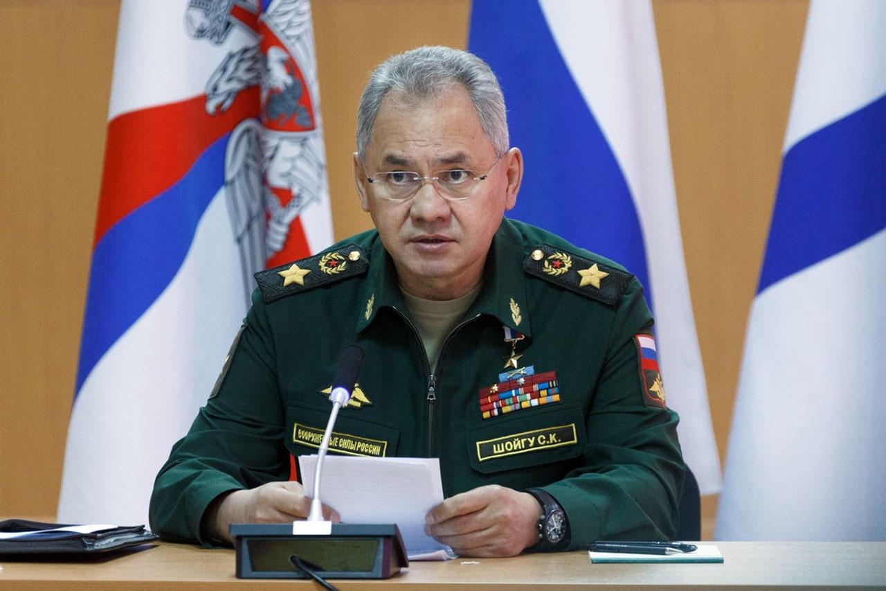 Министр обороны генерал армии Сергей Шойгу в Мурманске потребовал организации круглосуточного режима работы на крейсере «Адмирал Кузнецов».