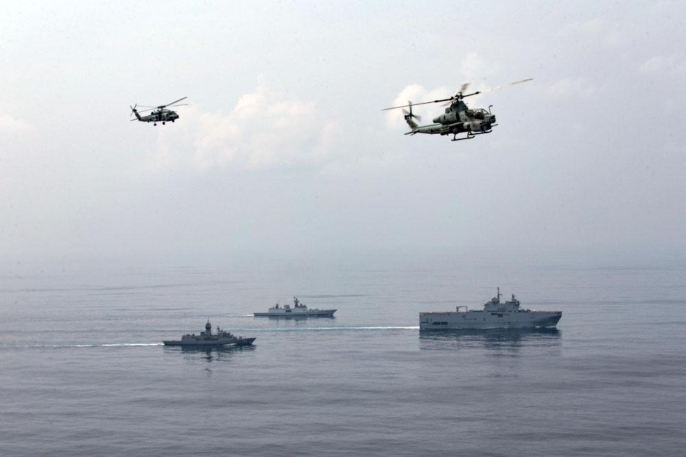 Французские вооружённые силы на регулярной основе проводят в Индо-Тихоокеанском регионе морские учения «Лаперуз» с участием Японии, США и Австралии.