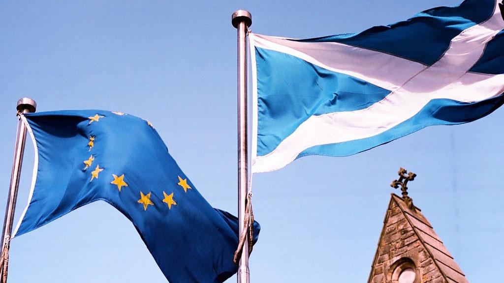 «Шотландия скоро вернётся, Европа, не гаси свет»