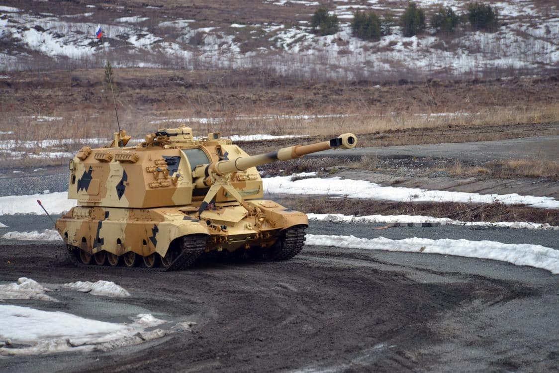 Созданная «Уралтрансмашем» артиллерийская установка «Мста-С» выполнила стрельбу на максимальную дальность 40 километров и показала отличное взаимодействие с БПЛА.