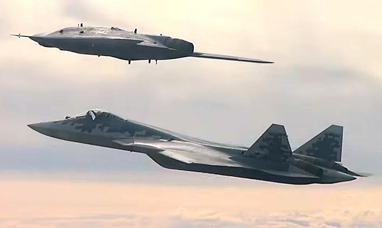 БПЛА «Охотник» запланирован под совместные действия с суперсовременным авиационным комплексом Су-57.