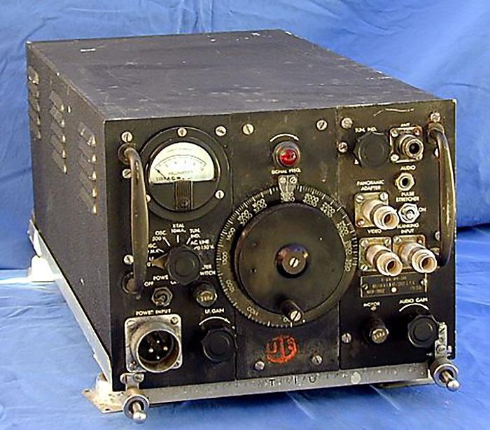 Американский приёмник APR-5 для обнаружения радиолокационных сигналов.