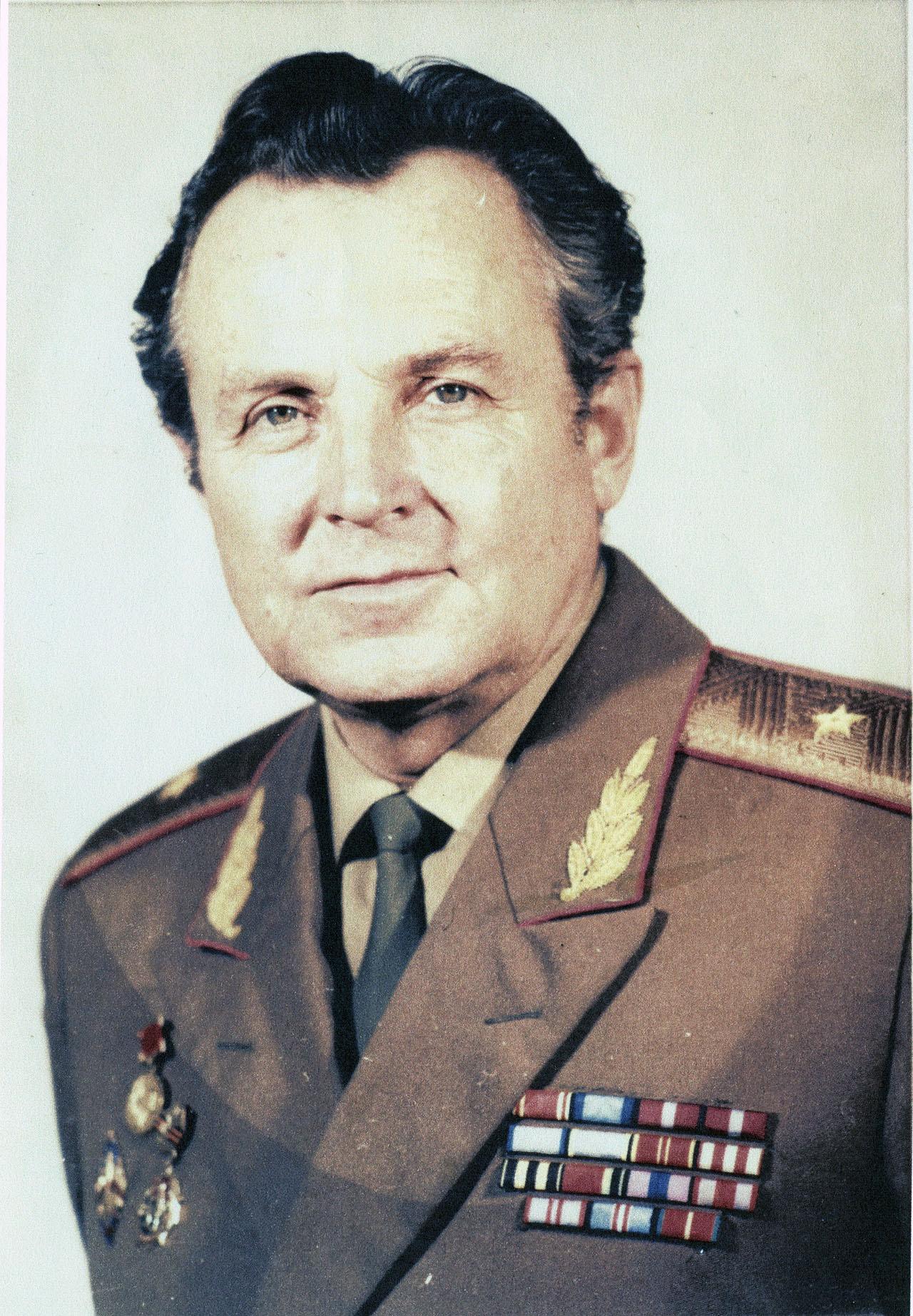 Генерал Юрий Мажоров.