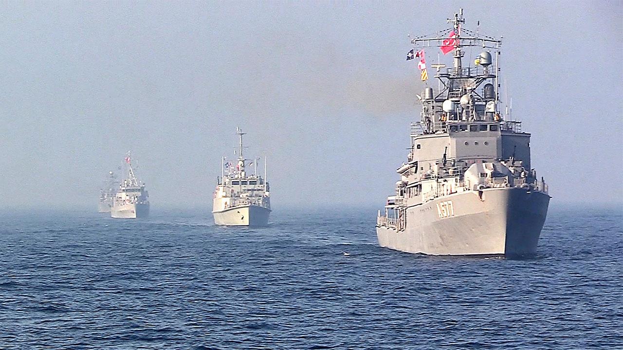 Тридцать НАТО «богатырей» толкутся у украинских морей