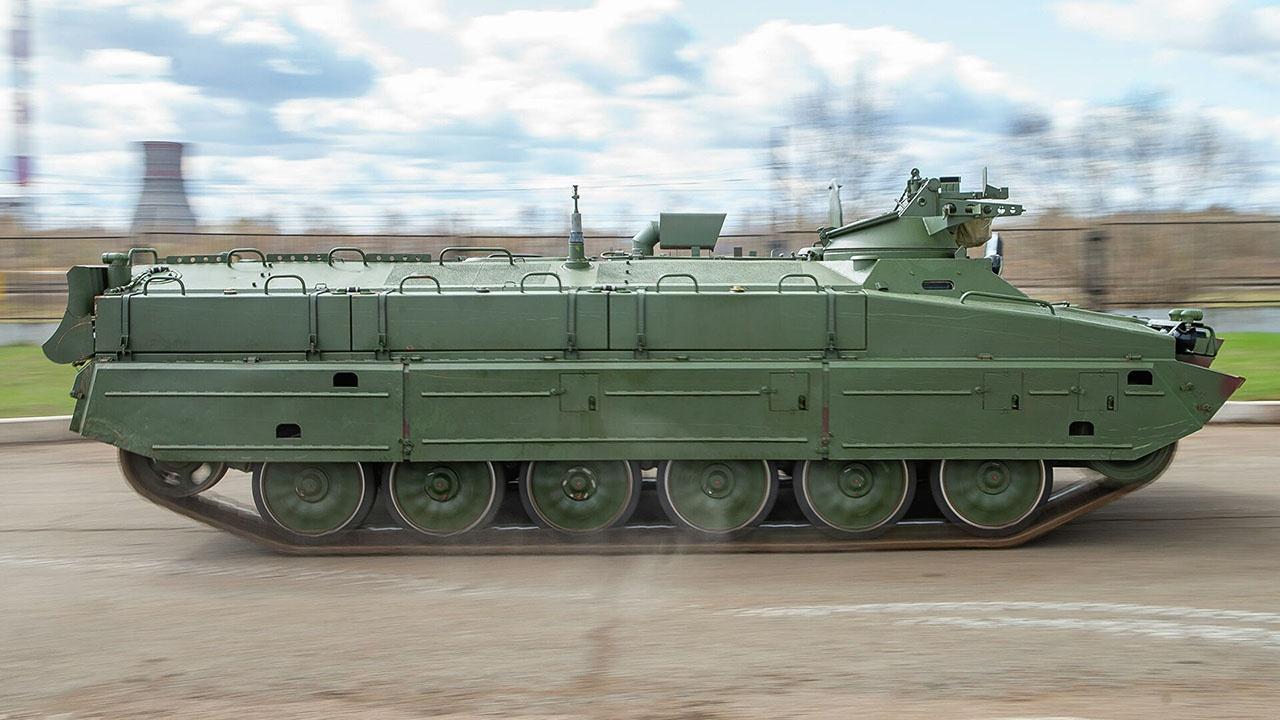 В качестве базы для транспортно-заряжающего робота используется удлинённый вариант тягача МТ-ЛБ.