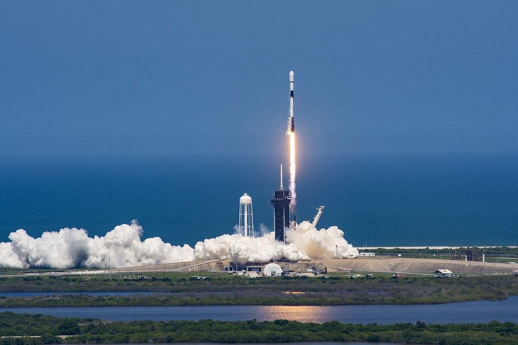 США инвестируют средства в исследования искусственного интеллекта, в технологии 5G и в использование группировки спутников StarLink Илона Маска в интересах национальной безопасности.