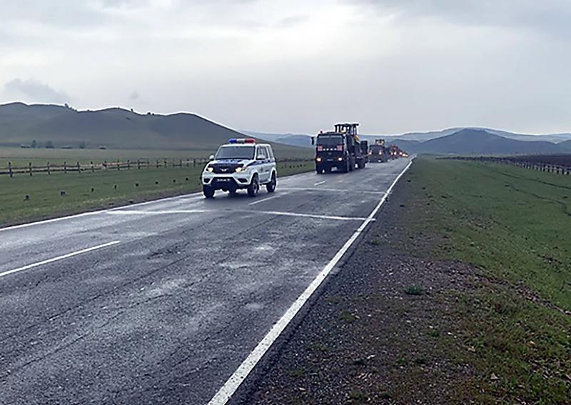Специальная и военная техника окружного железнодорожного соединения выполнила марш протяжённостью свыше 200 километров из города Абакана в город Абаза.
