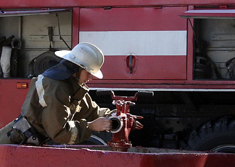 При ликвидации «природного пожара» использовались три современных автоцистерны АЦ 6,0-40 и специальная инженерная техника.