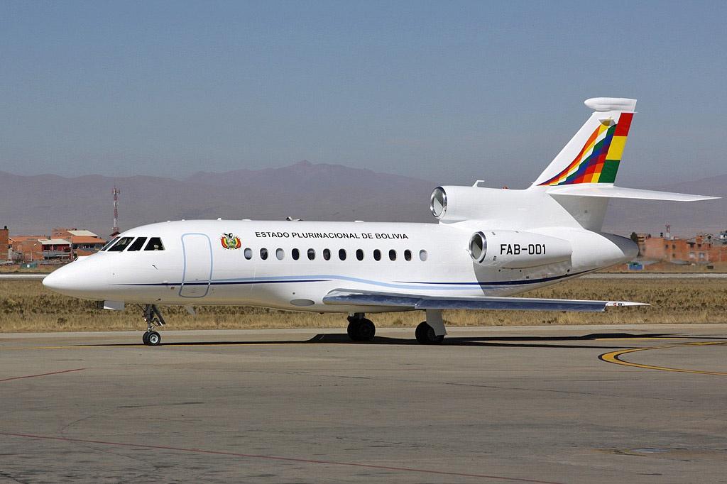 Самолёт президента Боливии Эво Моралеса был вынужден приземлиться в Вене, где его обыскали.