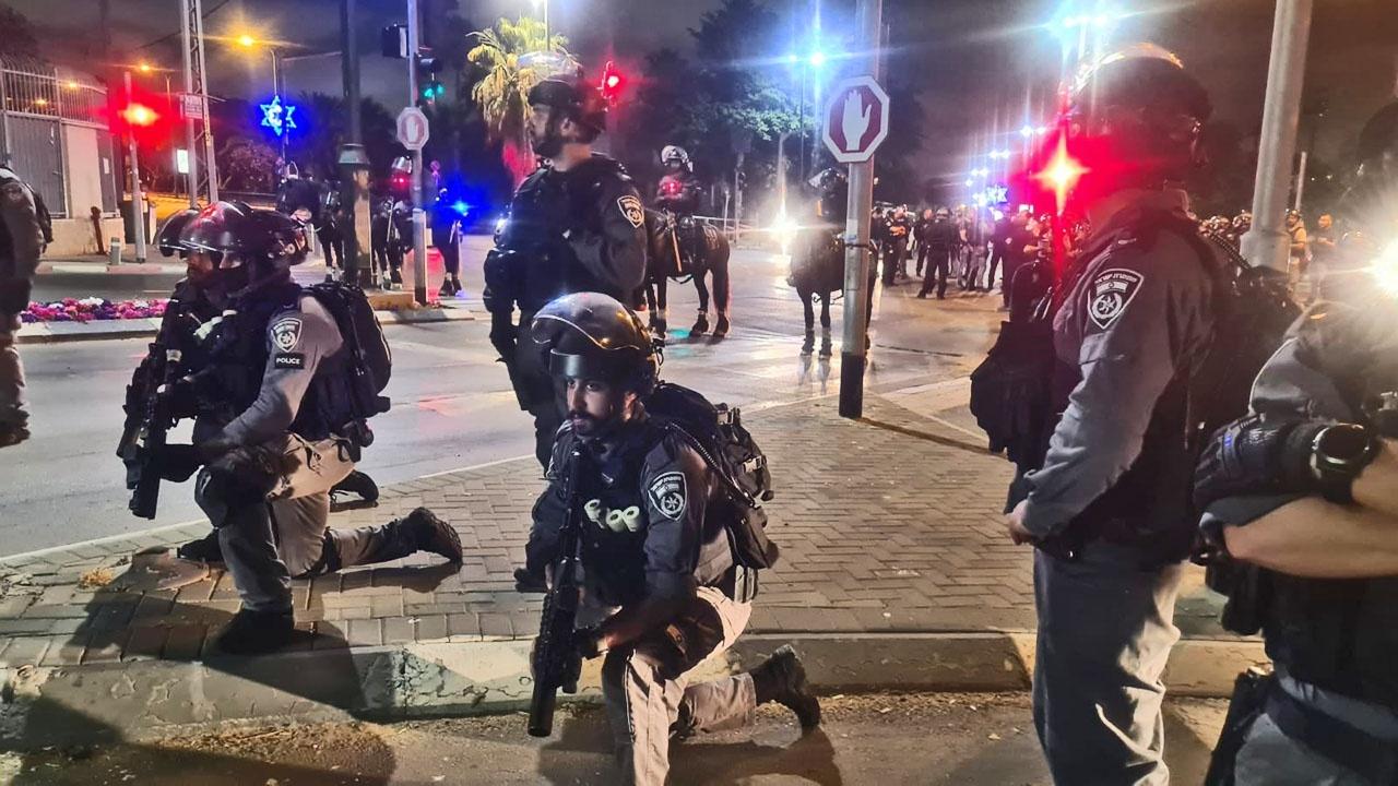 Власти Израиля сознательно по приказу Нетаньяху спровоцировали палестинцев, ограничив им доступ к исламским святыням, и жёстко пресекали протесты.