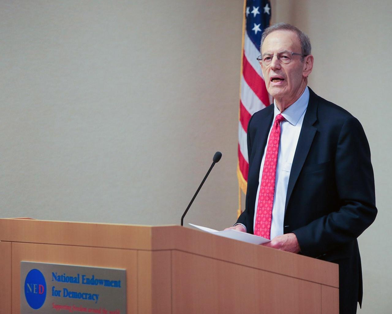 Президент NED Карл Гершман выложил пранкерам подробную информацию о подрывной деятельности своей организации на постсоветском пространстве, а также о технологии вмешательства во внутренние дела других государств.