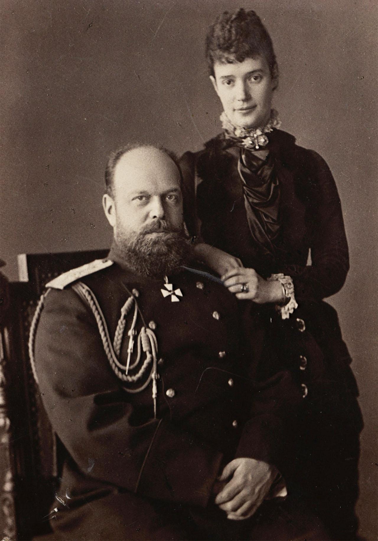 Александр III был неразлучен со своей женой Марией Фёдоровной.