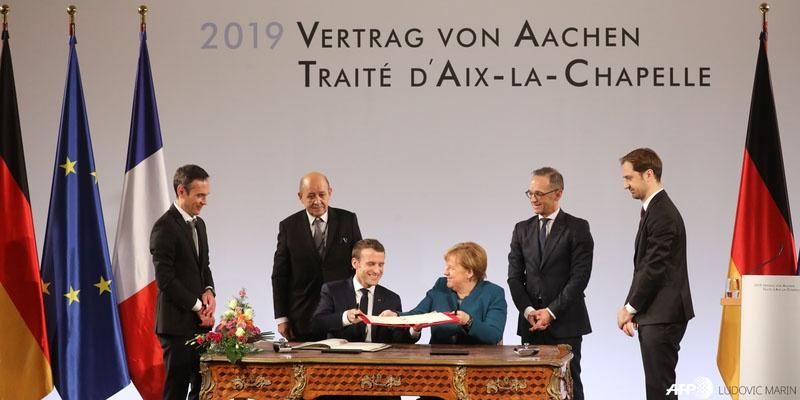 22 января 2019 года Эммануэль Макрон и Ангела Меркель подписали Ахенский договор, в котором обязались теснее взаимодействовать в вопросах обороны и безопасности.
