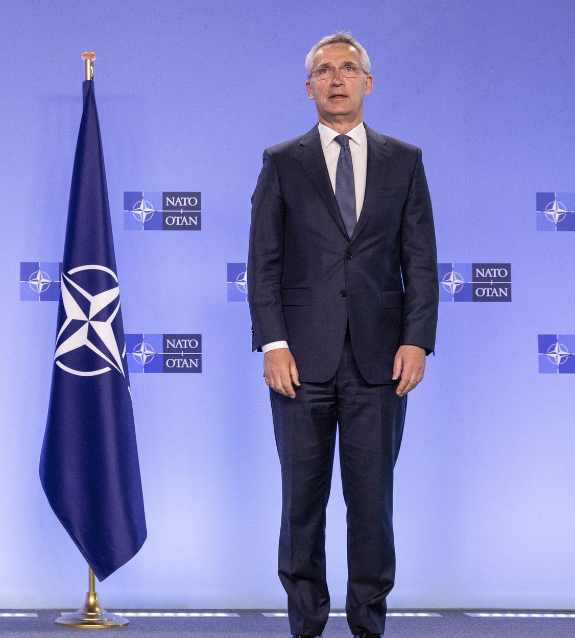 Генеральному секретарю НАТО Йенсу Столтенбергу американские коллеги поручили разработать новую стратегию для НАТО.