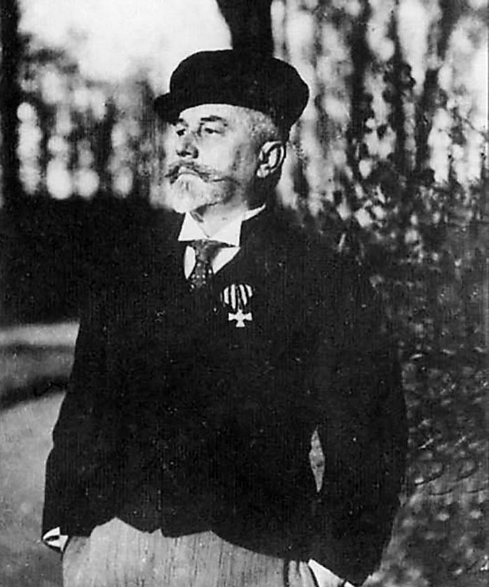 Степан Карлович Джевецкий родился 26 июля 1843 года в семье знатных польских дворян.