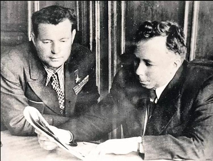 Лётчик-испытатель полковник Иван Фёдоров и авиаконструктор Семён Лавочкин.