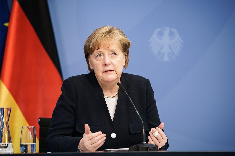 Канцлер Германии Ангела Меркель подчёркивала, что не следует полагаться на США в вопросе безопасности и защиты интересов стран ЕС.