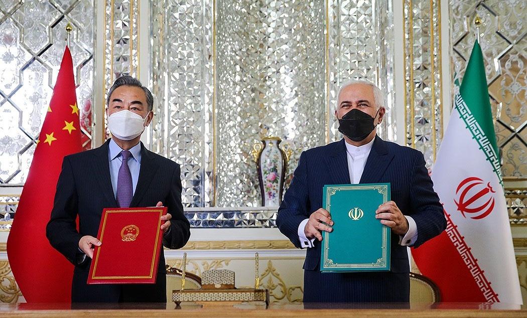 Министры иностранных дел Ван И и Мохаммад Джавад Зариф подписали в Тегеране 25-летнюю программу сотрудничества Ирана и Китая.