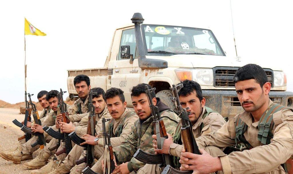 Курды в Сирии воюют с остатками «Исламского халифата»*.
