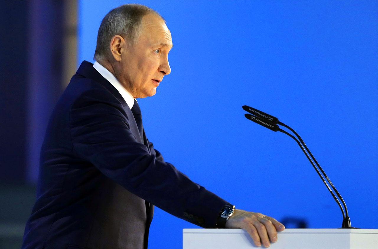 «Заманчиво полагать, что Владимир Путин самостоятельно принимает все важные решения в России...»
