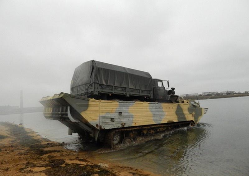 Совместное учение инженерных подразделений и подразделений армейского корпуса в Крыму.