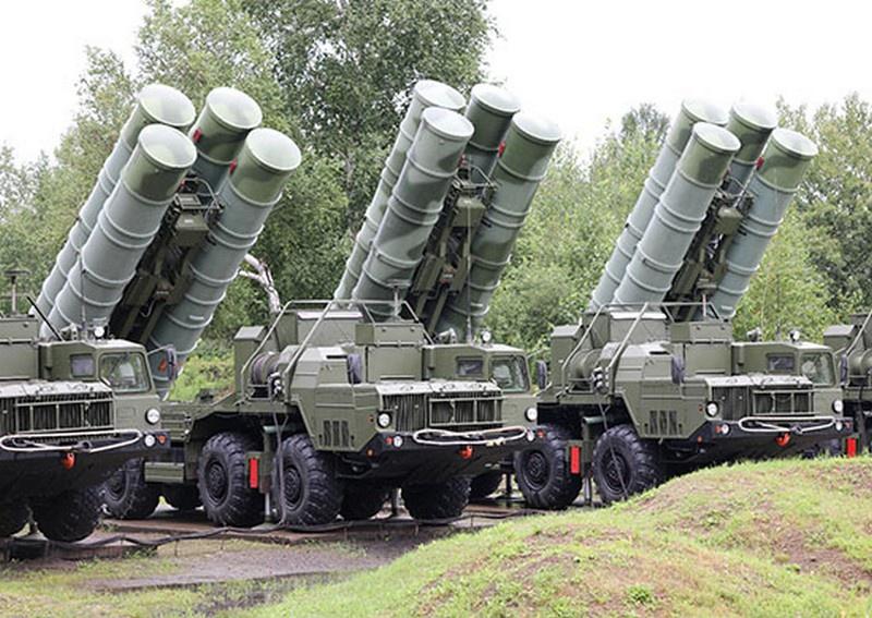 На Сахалине с расчётами зенитных ракетных систем С-400 «Триумф» ВВО проведена первая тренировка в новом периоде обучения.