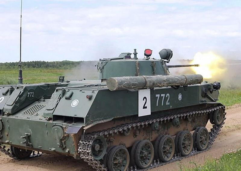 Проведение в Ивановском соединении Воздушно-десантных войск в летнем периоде обучения первого комплексного тактического огневого занятия с парашютно-десантными ротами.