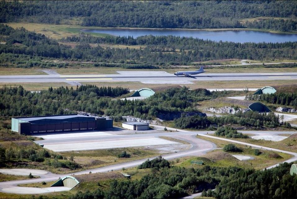 Военная авиабаза Эвенес, очевидно, будет использована для передового развёртывания американских морских патрульных самолётов P-8A «Посейдон».
