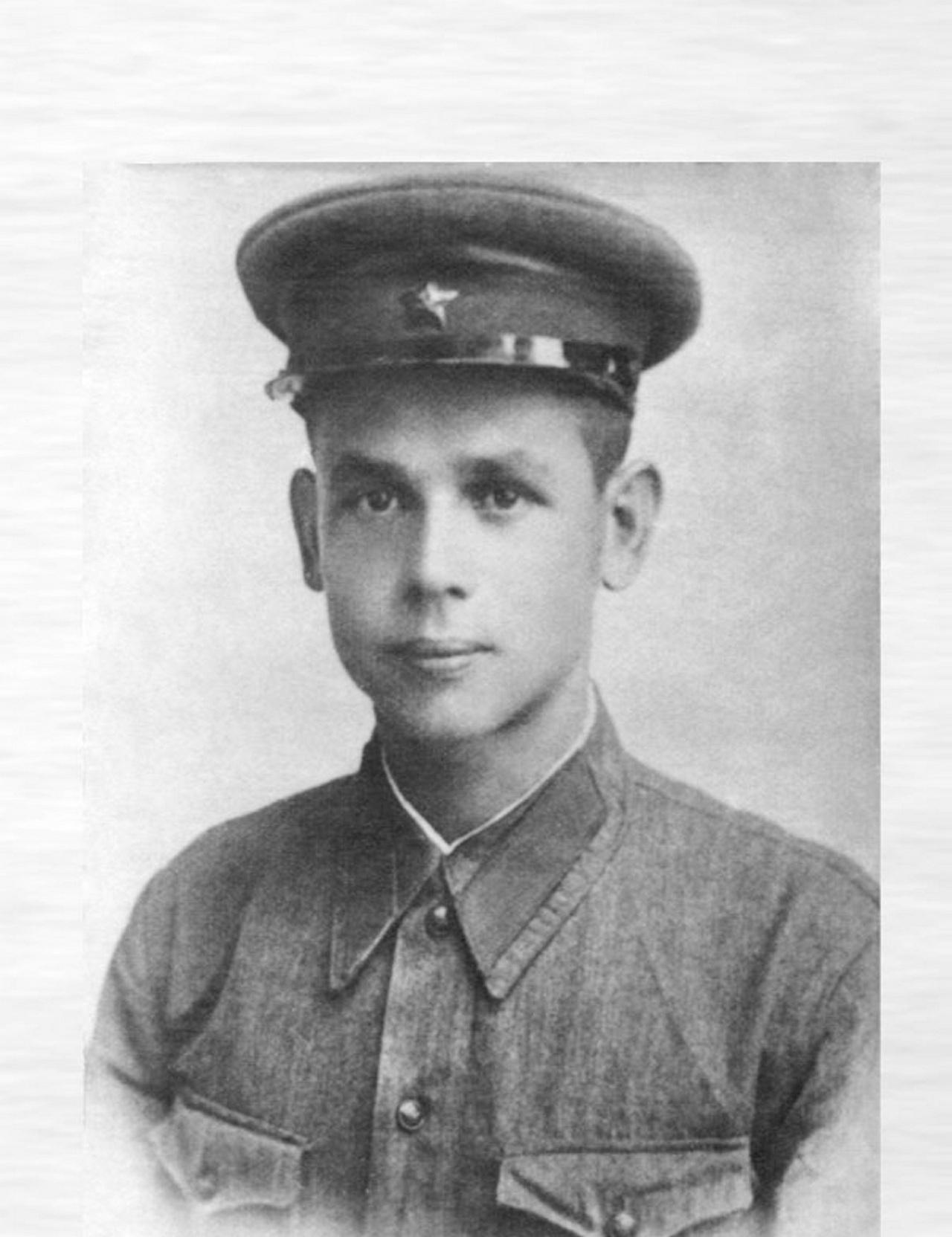 Стрелок 2-й заставы 17-го Брестского погранотряда ефрейтор Павел Капинос 22 июня 1941 года в течение десяти часов отбивал яростные атаки немецкой пехоты.