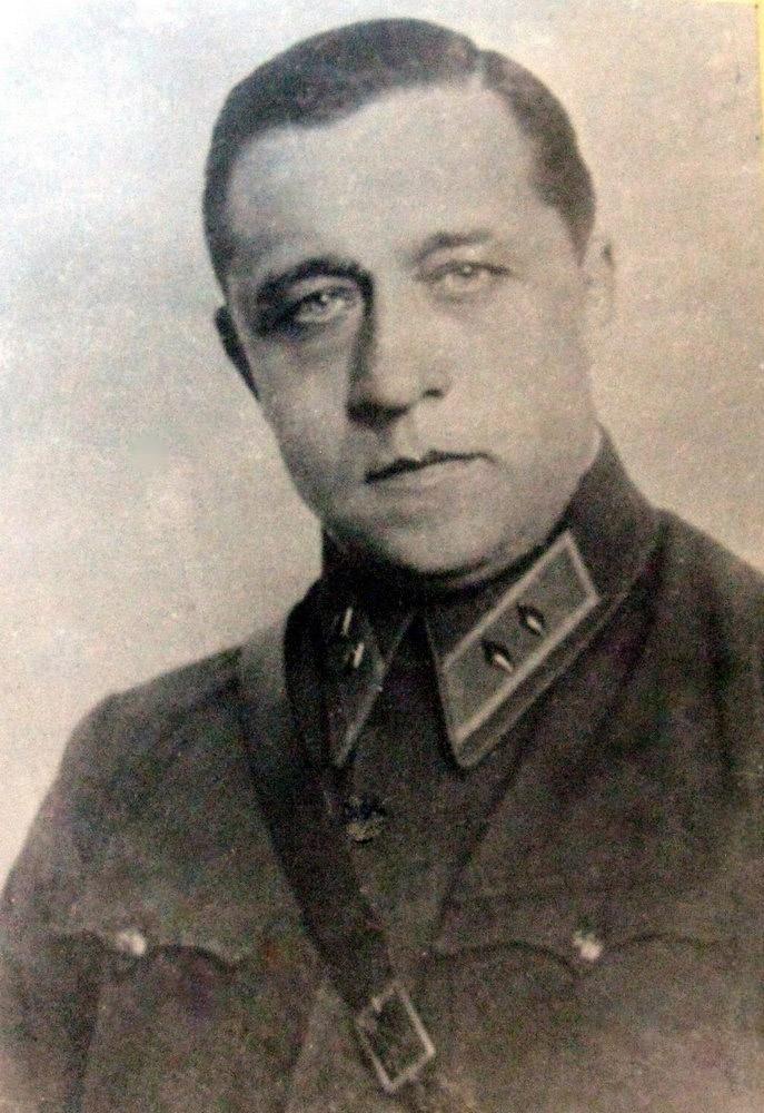 Военный атташе СССР в Германии В. Тупиков.
