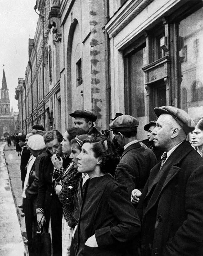 В полдень 22 июня 1941 года вся страна слушала радиообращение наркома внутренних дел СССР Вячеслава Молотова, который объявил о нападении Германии.