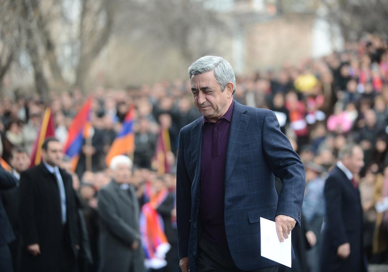 Неучастие Сержа Саргсяна в выборах можно расценивать как фактическую уступку Кочаряну, что также является свидетельством продуманной тактики.