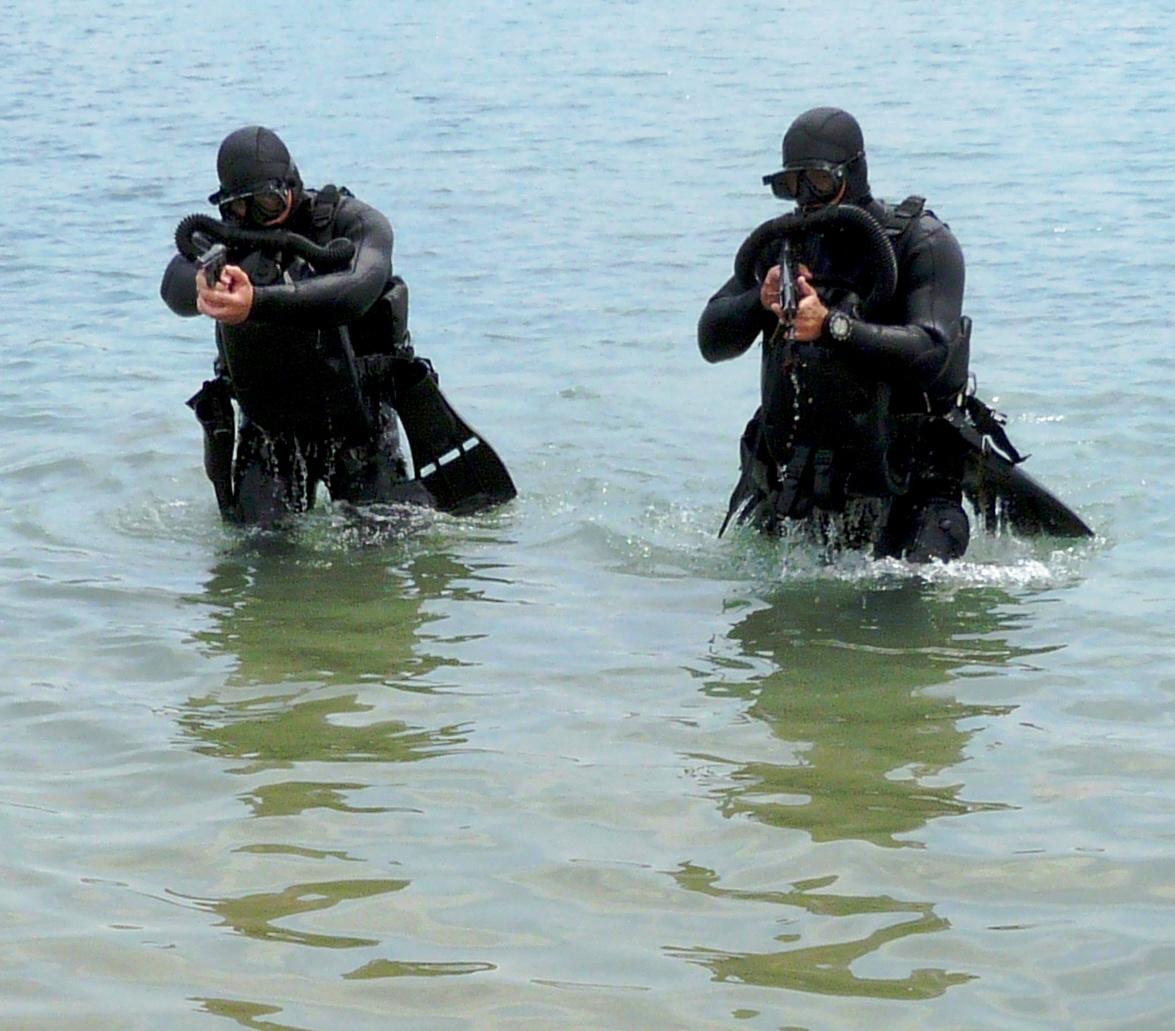 Интенсивность боевой учёбы бойцов отряда по борьбе с подводными диверсионными силами и средствами всегда была на высоте.
