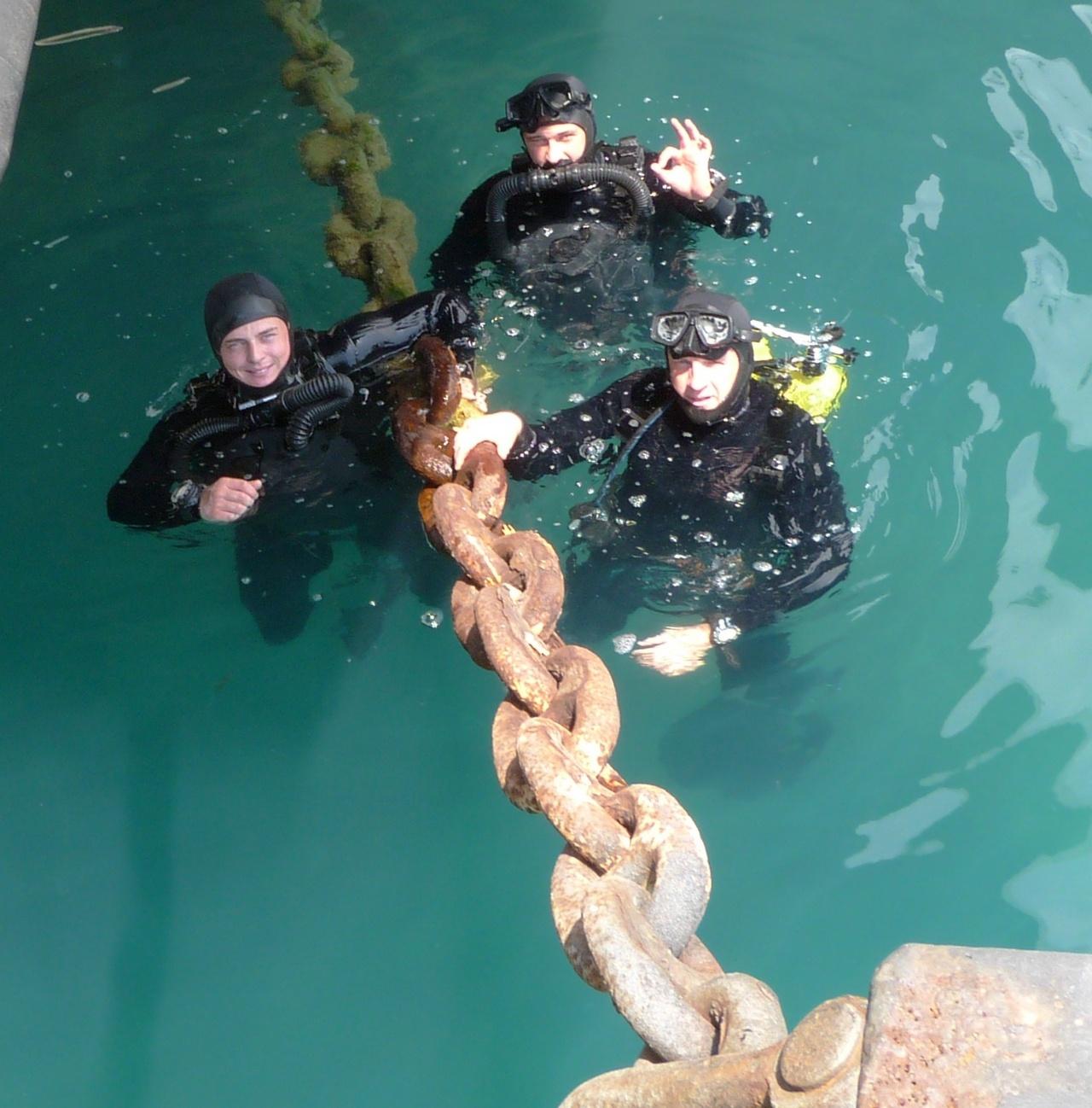 Специалисты морского спецназа - это бойцы трёх стихий.