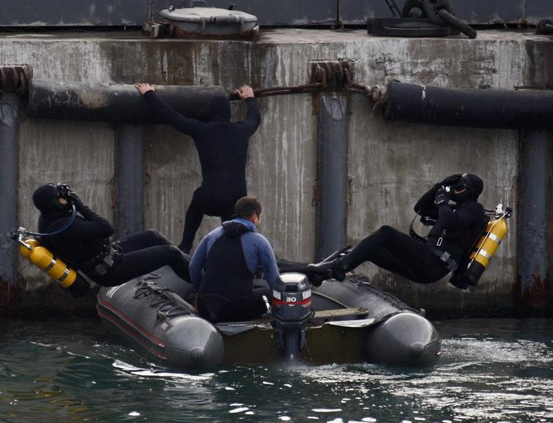 Тренировка морских бойцов.