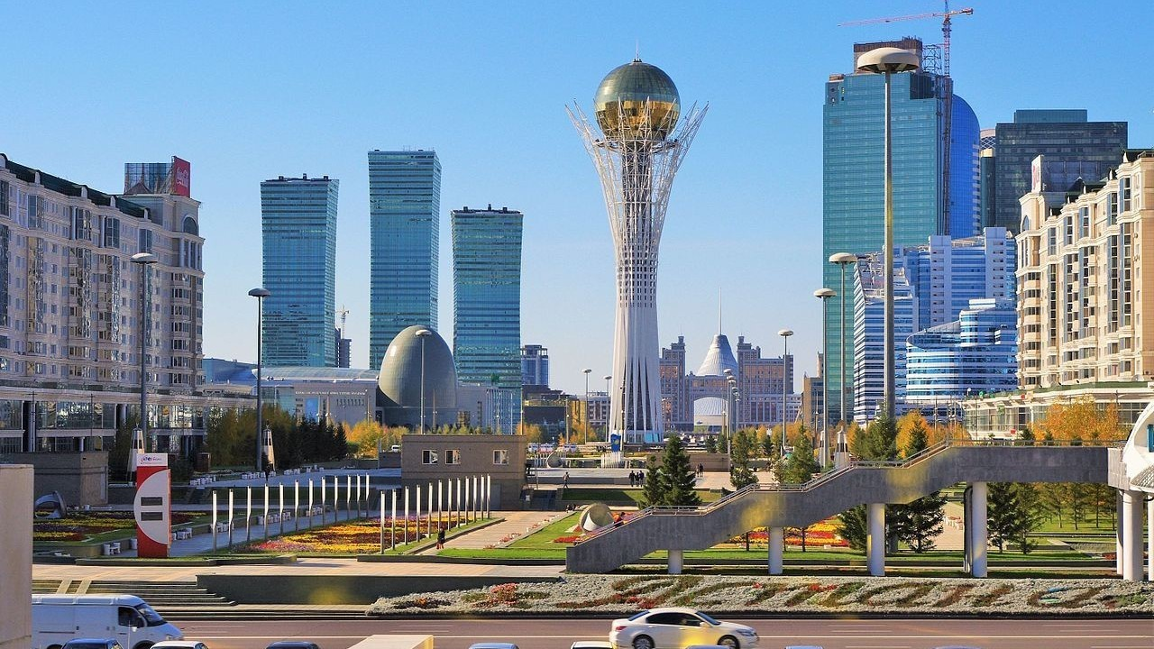 Казахстан в извилистых путях многовекторности
