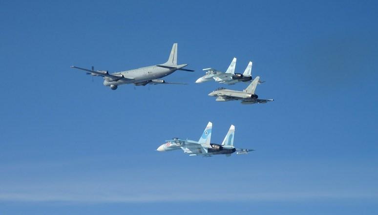 Не будет отменена масштабная круглосуточная операция ВВС НАТО «Балтийское воздушное патрулирование», в которой принимают участие самолёты «двойного назначения» трёх ядерных держав Запада.