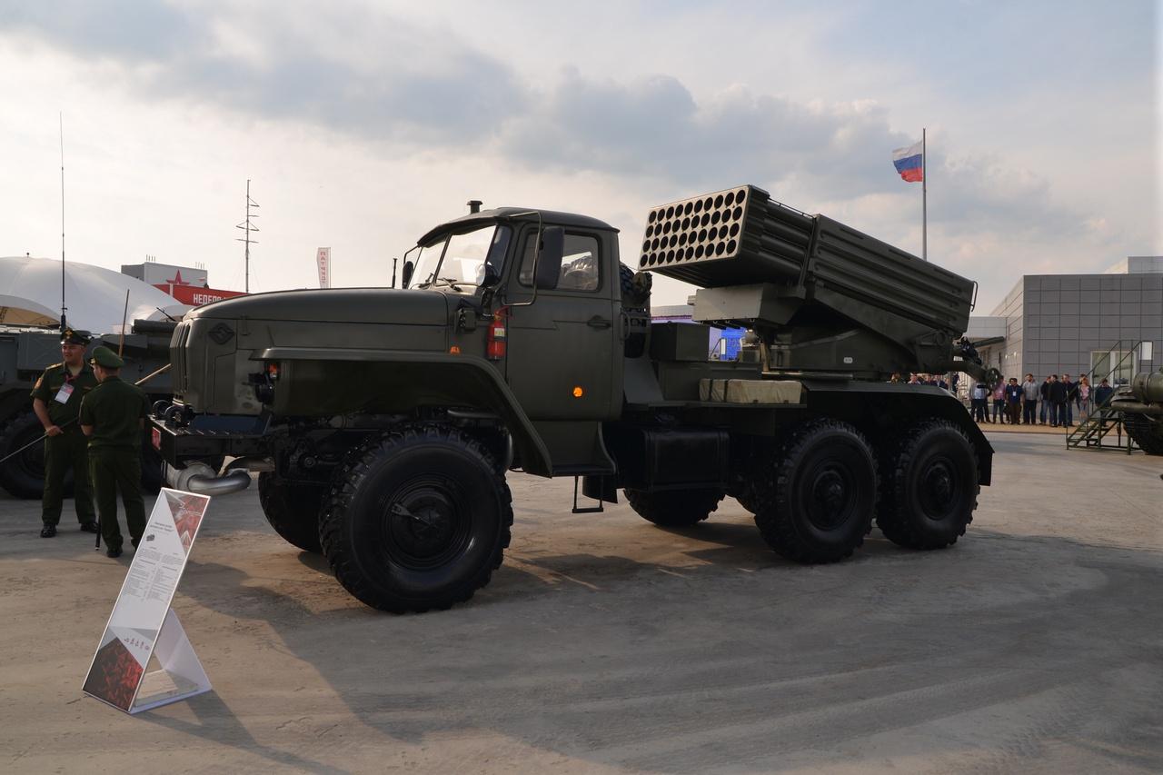 Боевая машина 2Б17 РСЗО «Торнадо-Г».