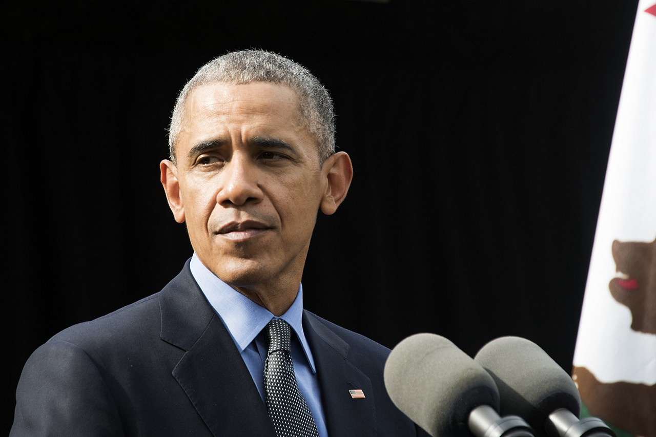 Барак Обама называл Россию «страной-бензоколонкой» и не сомневался, что его усилиями к 2014 году российская экономика будет «разорвана в клочья». Но ошибся.